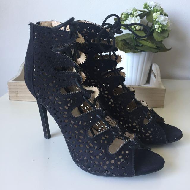 Black lace up Heels Size 9