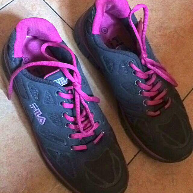 FILA(AUTHENTIC RUNNING SHOES