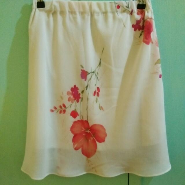 Floral Design Chiffon Skirt