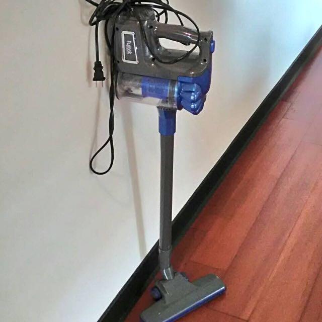 Fujitek藍色有線吸塵器