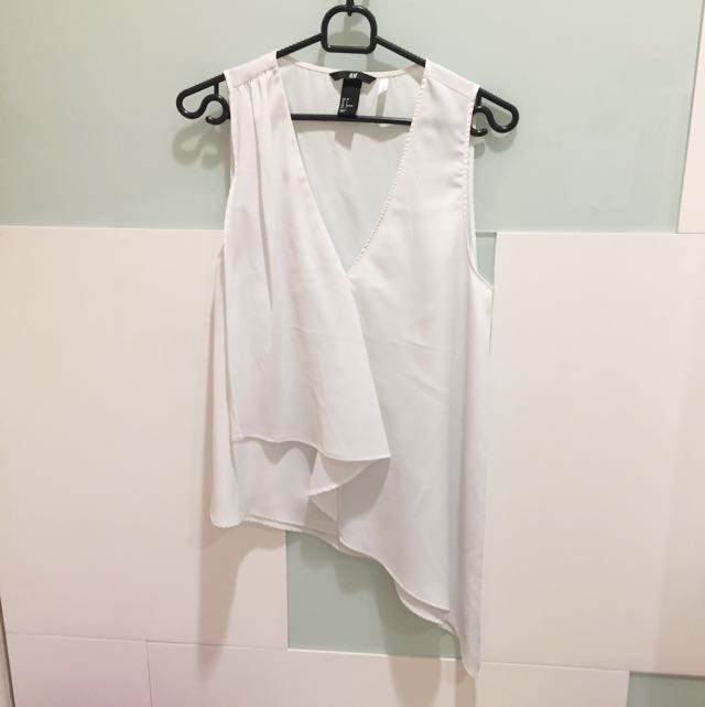 H&M Assymetric White tops