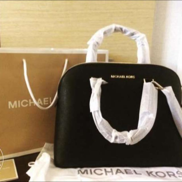 94a35de329aa Original) Michael Kors Cindy Dome Saffiano Leather Satchel Black ...