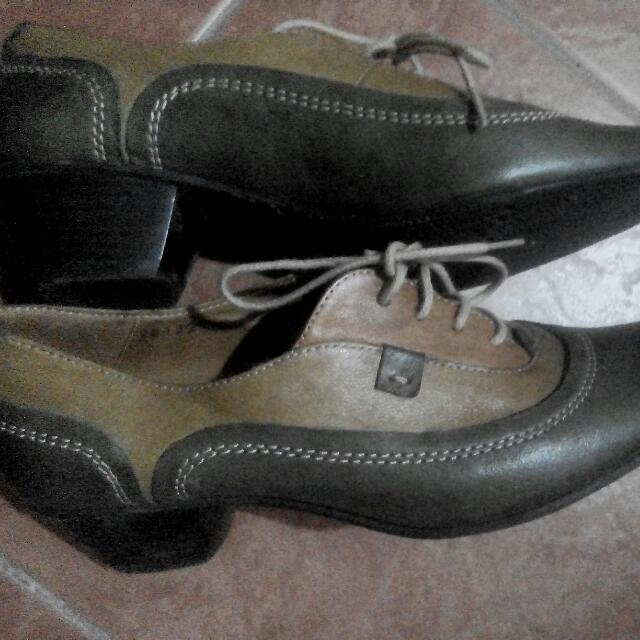 Military leather shoes