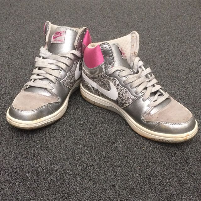 Nike Ladies High Tops Size 9