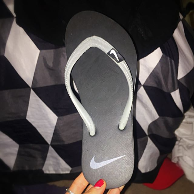 Nike Thongs