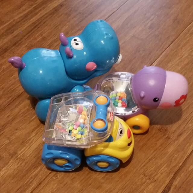 Set of 3 Hippos and truck