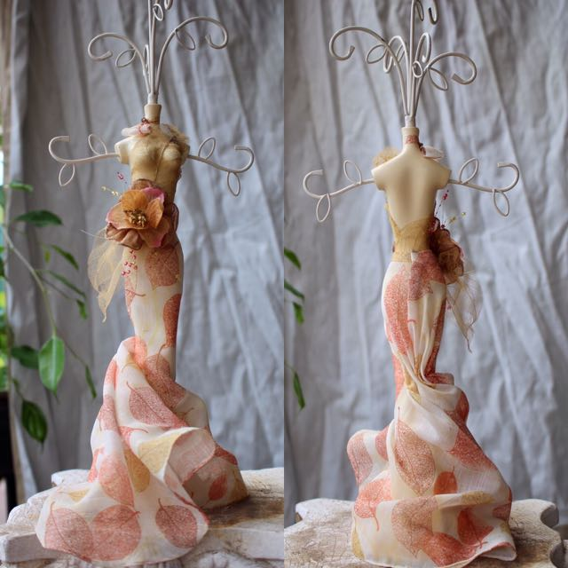 VINTAGE Autumn Gown Mannequin Jewellery Stand