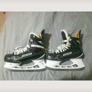 Bauer S190 Hockey Skates