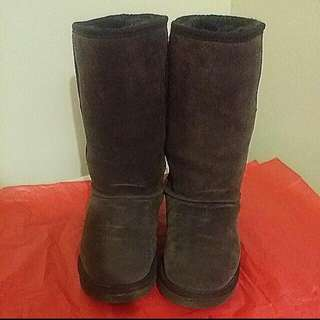 UGG BOOTS SIZE9