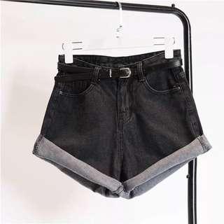 送腰帶牛仔反折短褲💕