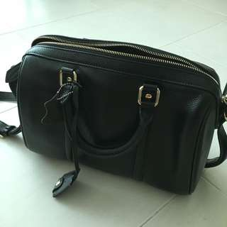 (Price Reduced) Wardrobe Sales - Vintage Leather Boston bag