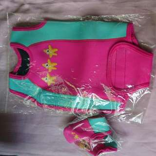 Thermal Swimsuit (free Flippers) For 6-12 Mths Pink Color