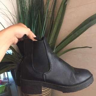 Platform Boots || Size 37