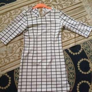 Grid Black N White Dress