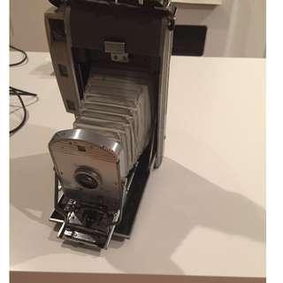 Vintage Polaroid Land 100 Camera