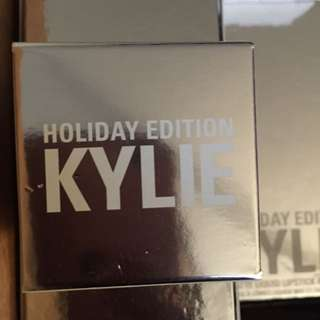 Kylie Cream Shadow Yellow Gold Holiday Edition
