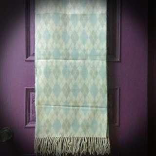 格菱柔和色調厚圍巾