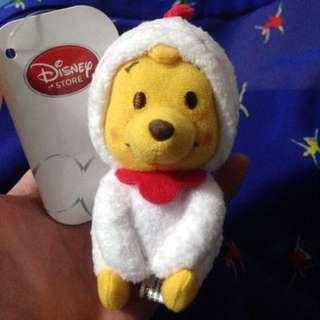 【現貨】日本Disney 迪士尼帶回正版 2017雞年限定小熊維尼吊飾 《《《降價》》》