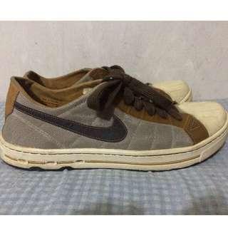 PreLoved Nike ACG