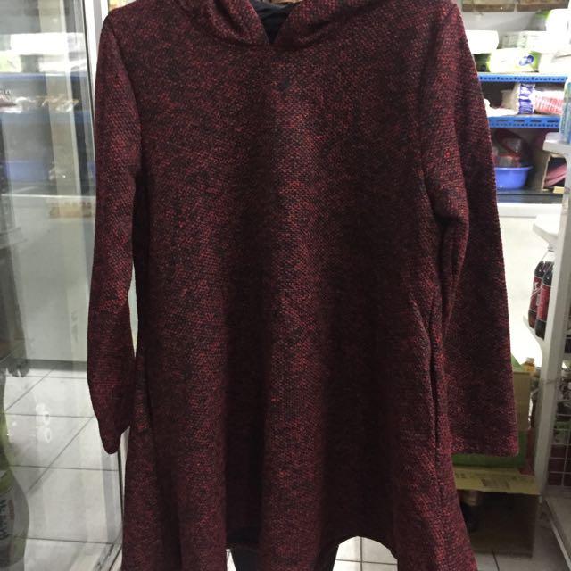 冬季酒紅色毛毛下擺傘狀衣