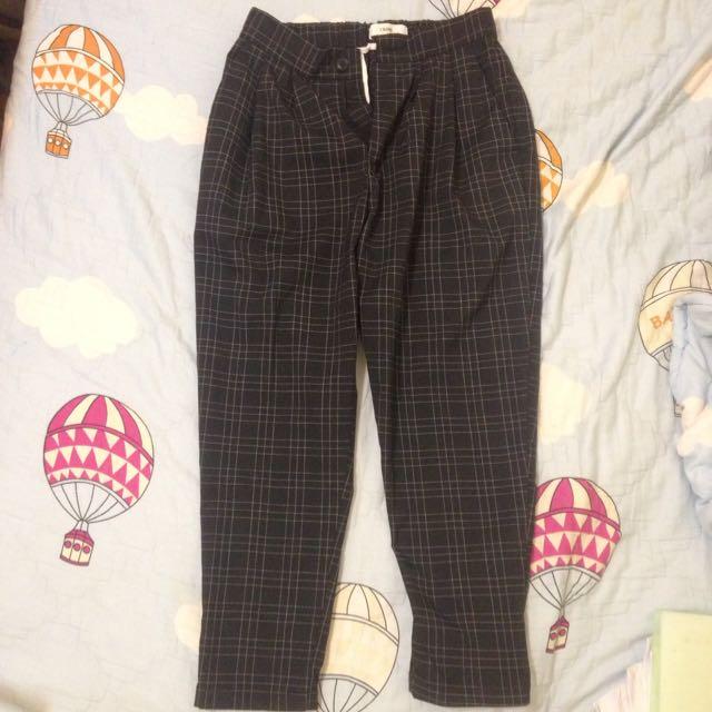 細格紋黑色長褲