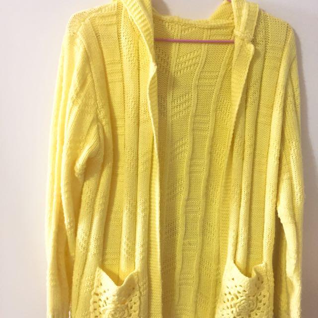 黃色毛外套