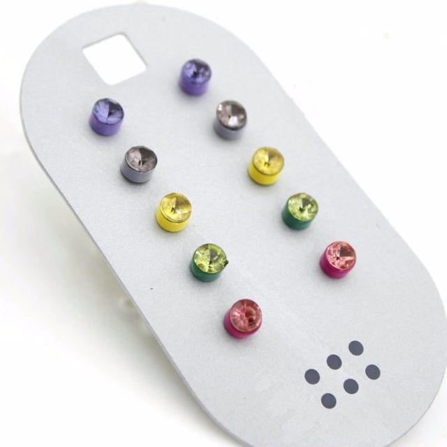 咪嗚小舖 ►繽紛彩色水鑽耳環組。烤漆 新年特賣 組合