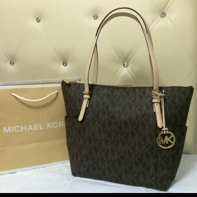 1e43d6a6f8 Authentic Michael Kors Tote Bag Have Price Tag 248 USD