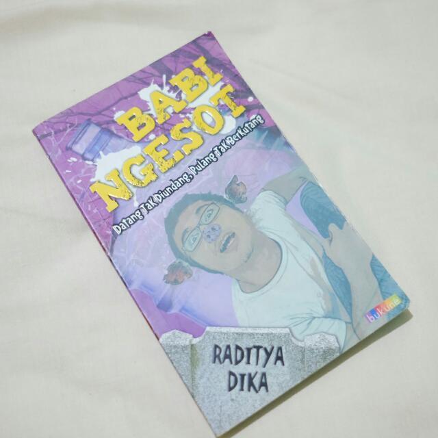 Babi Ngesot (Raditya Dika)