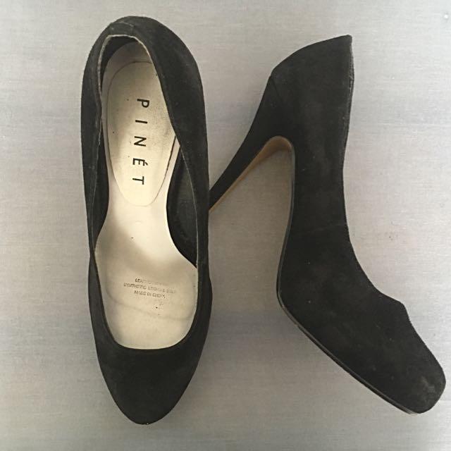 Black Suede Pumps Size 8