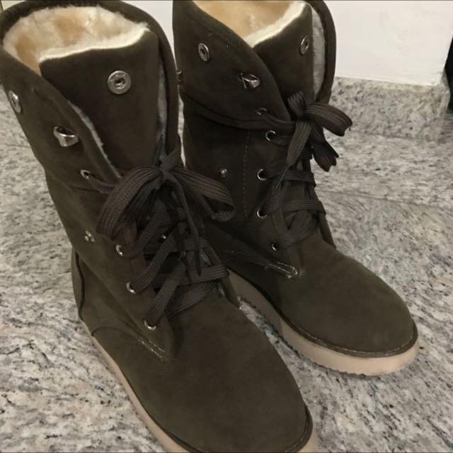 CLEARANCE SALE: Khaki Winter Shoe Size