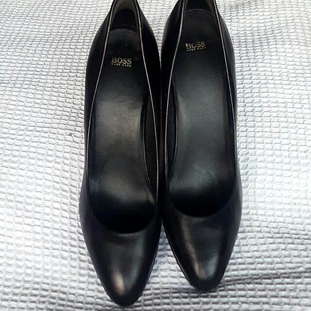 Hugo Boss Black Pumps Size 40