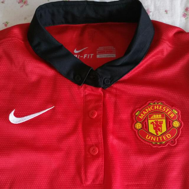release date: 5709c c2f25 Lady Manchester United football shirt