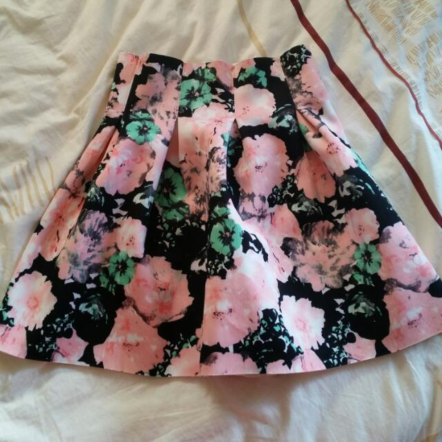 Mirrou Floral Skirt