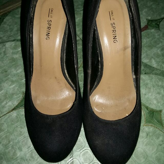 Preloved Call It Spring Velvet Pumps
