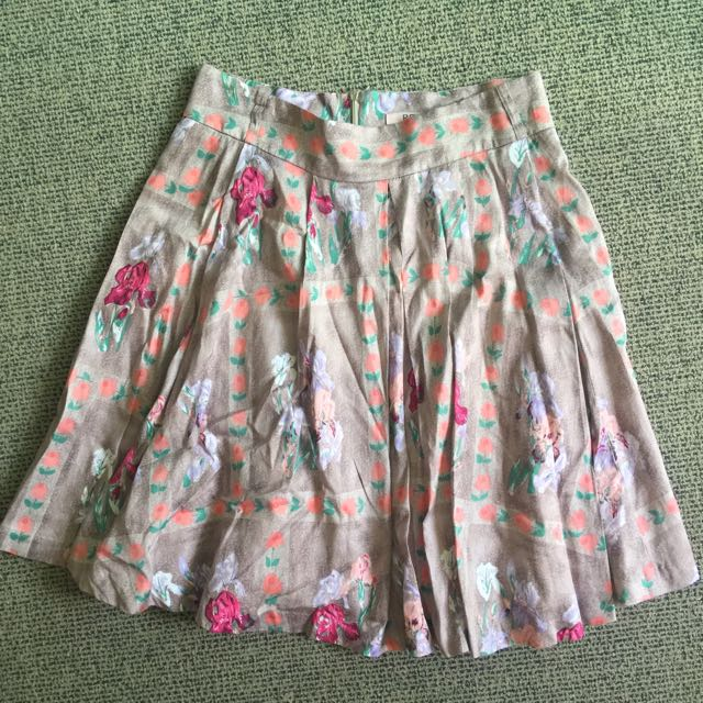 Review Skirt Size 10