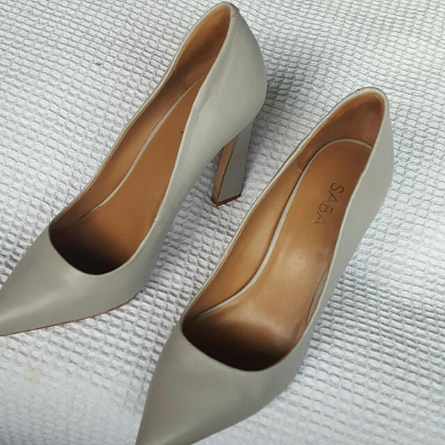 Saba Dove Grey Pumps Size 40
