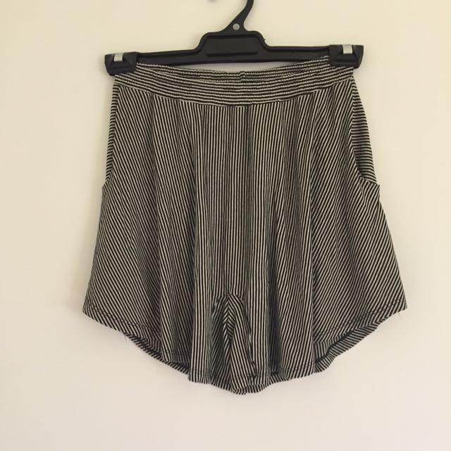 TV Culotte Shorts Size 8