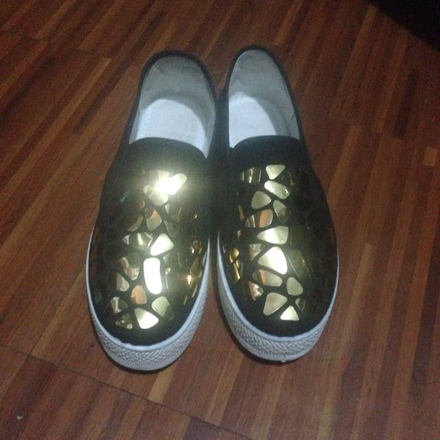 Unbranded Shoes With Gold Designs