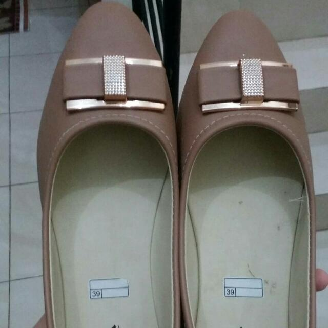 Viera Flat Shoes