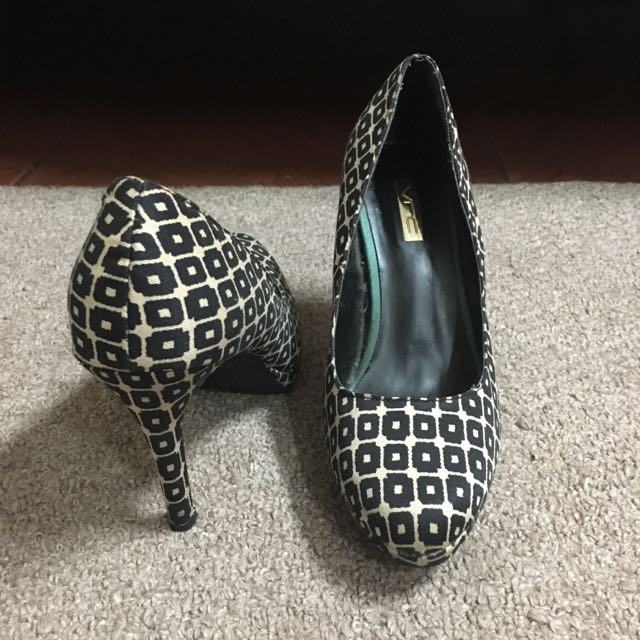 REPRICED! VNC Black and White Printed Pumps