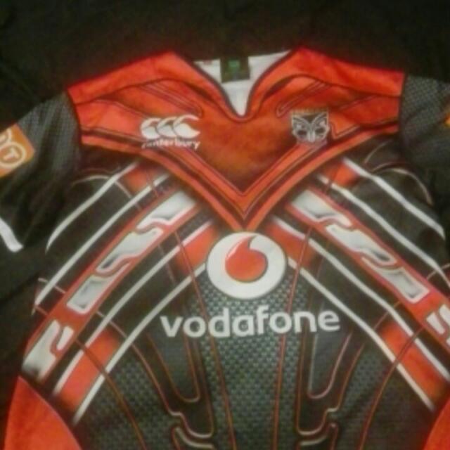 Vodafone warriors Top