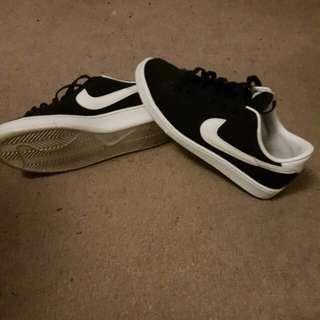 Mens Nike 8.5