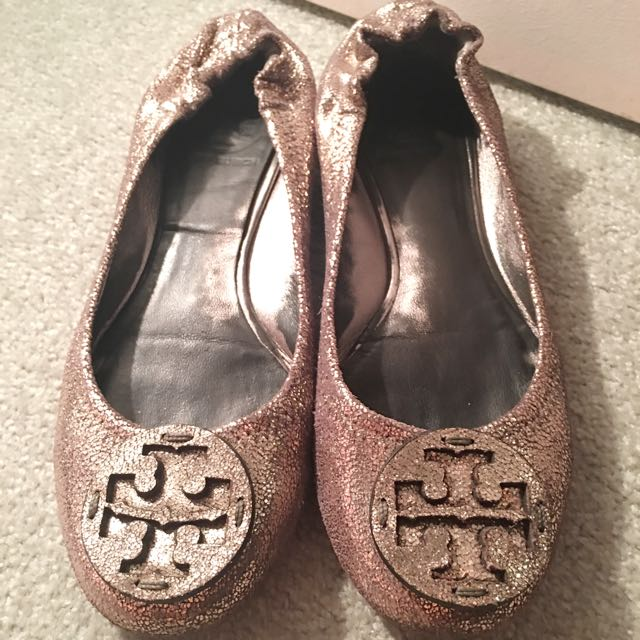 100% Authentic Tory Burch Silver Flat Shoes Size 6.5