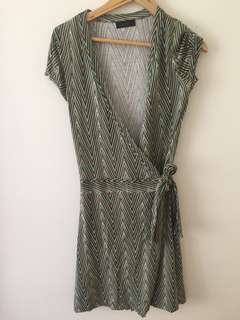 Vero Moda Patterned Side Tie Up Dress - M