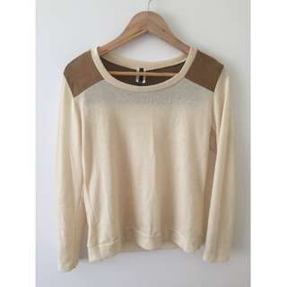 Love Culture Long Sleeved Top - M