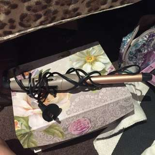 Hair Curler! Remington