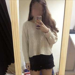 Queen Shop 短版 米白 針織毛衣