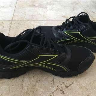 Sepatu Pria Reebok