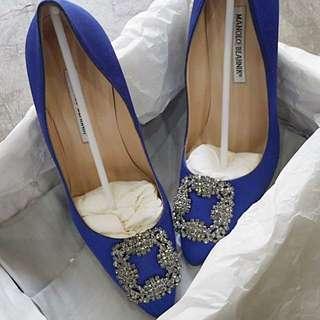 MANOLO BLAHNIK HANGISI HEELS 115 ROYAL BLUE